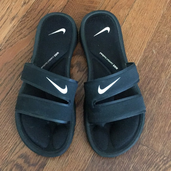 Nike Shoes   Nike Comfort Footbed